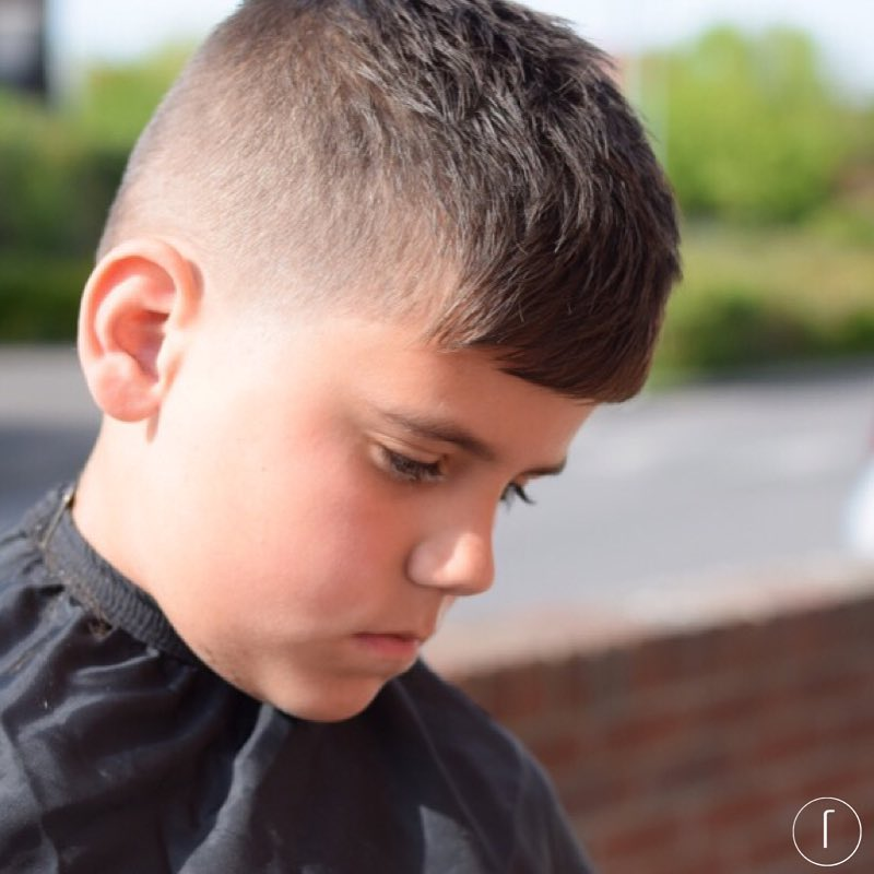 raggos_barbering textured simple hair side part high fade boys fade haircuts