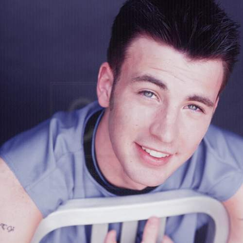 chris evans young hairstyle