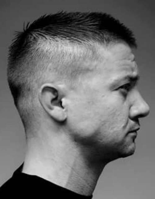 jeremy renner new haircut side view