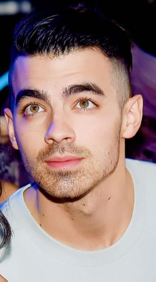 Joe Jonas Haircuts Men S Hairstyles Amp Haircuts Swag